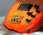 Keyboard E-Gitarre Bass Drums Bläser