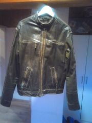 Coole und trendige Lederjacke zu