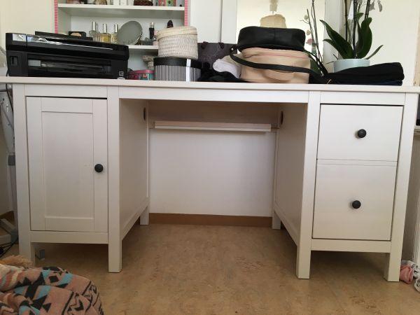 schreibtisch verkaufe meinen ankauf und verkauf anzeigen. Black Bedroom Furniture Sets. Home Design Ideas