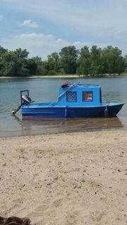 Boot mit Trailer und zwei