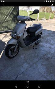 Motorroller Yamaha 100ccm