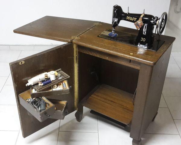 pfaff nahmaschine tisch gebraucht kaufen nur 2 st bis 75 g nstiger. Black Bedroom Furniture Sets. Home Design Ideas
