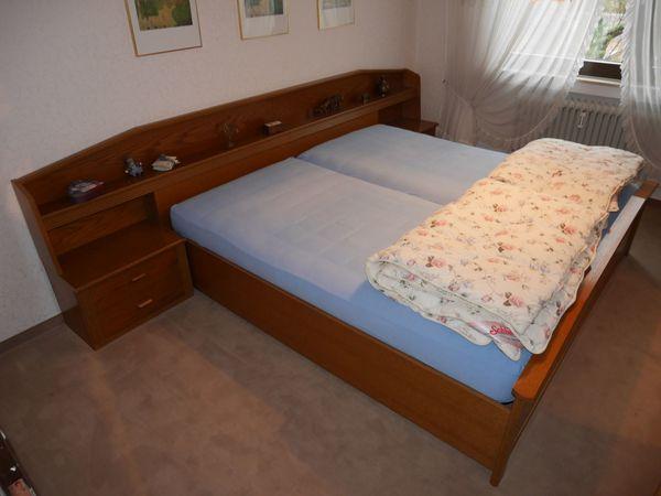 Schlafzimmer komplett best. aus Bett und Schrank, Holz braun in ...