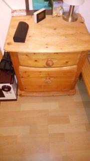 Verschiedene Möbel und Gebrauchsgegestände