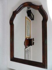 Alte Wandspiegel mit