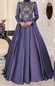 Kleid von Pinar Sems
