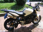 Motorrad Triumph Street