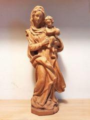 Statue aus Holz - Maria mit