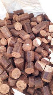 Holzbriketts bzw Hartholzbriketts 1Kg 0