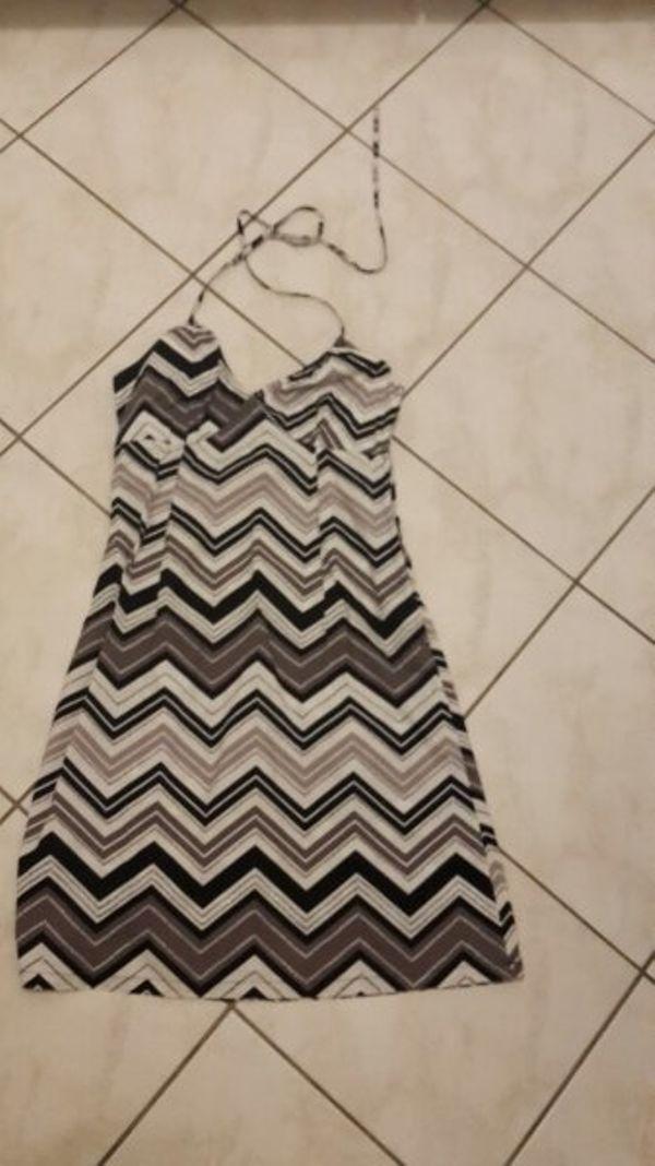 Triangel Kleid Nackenträger