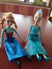 Elsa und Anna Puppen