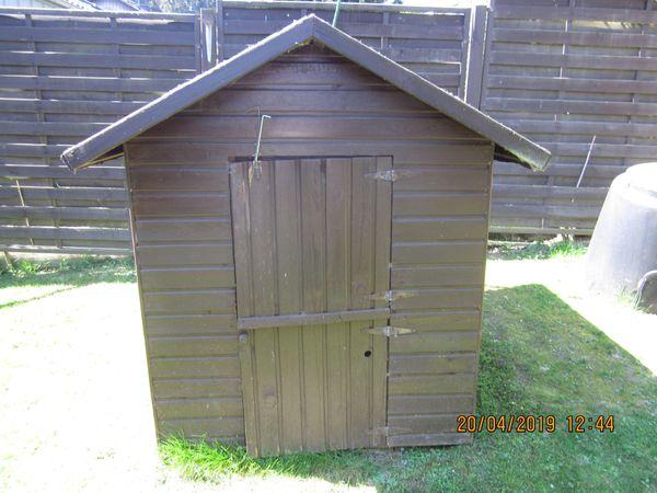 zu verschenken Holzspielhaus H 162 cm L 182,5 cm B 148