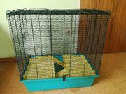 Hamsterkäfig mit viel