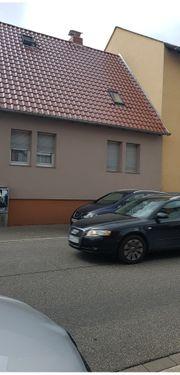 1 Familienhaus mit Nebengebäude in