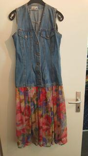Kleid mit durchsichtigem Rock