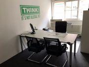 Helles Büro / Arbeitsplatz