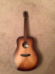 Breedlove Discovery Dread