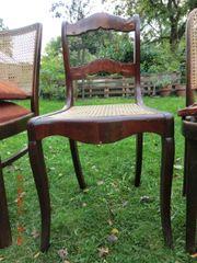 Schöner alter Stuhl