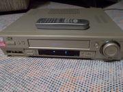 JVC HR-S6700 S-VHS-Videorekorder