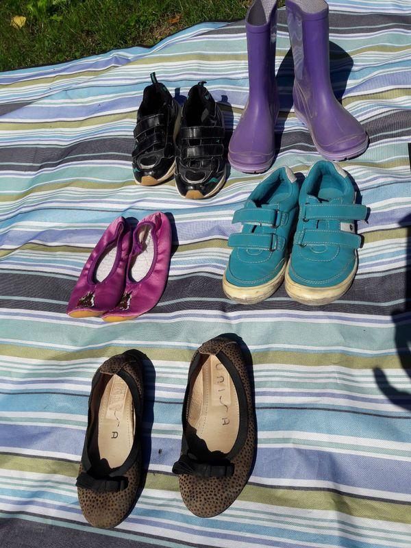 f1725a1d39 5 Paar Mädchenschuhe Gr. 32 in München - Schuhe, Stiefel kaufen und ...
