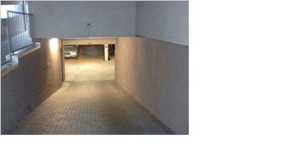 Tiefgaragenstellplatz im Vierparkersystem » Garagen, Stellplätze