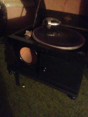 Verkaufe altes Grammophon !