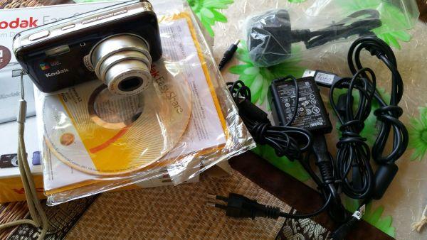 """Kodak EasyShare V1003 + OVP & Zubehör - Unterschleißheim - Kodak EasyShare V1003 + OVP & ZubehörIch verkaufe hier meine voll funktionstüchtige Digitalkamera Kodak Easyshare inkl. Kabel 10,0 MP für eindrucksvolle Abzüge bis zu 75 cm × 100 cm (30"""" × 40"""")KODAK Farbtechnologie für helle und - Unterschleißheim"""