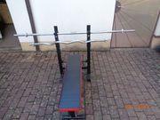 Hantelbank mit Ablage für Gewichtstange