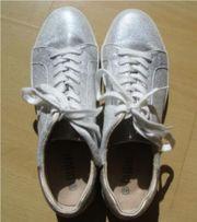 Sneaker silber von