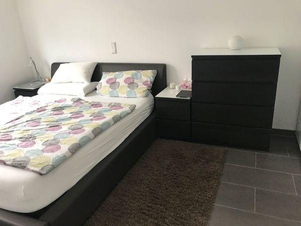 Kunstleder-Bett 160 x 200 mit Matratzen und Lattenrost in Karlsdorf on