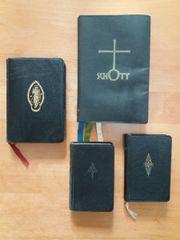 Vier alte Gebetbücher: