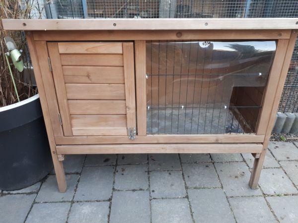 Stall für Kaninchen oder Meerschweinchen, guter Zustand! - Karlsdorf-neuthard - Stall für Kaninchen oder Meerschweinchen, guter Zustand! Von oben und von vorne zu öffnen. 35 EUR (kein Versand!) - Karlsdorf-neuthard