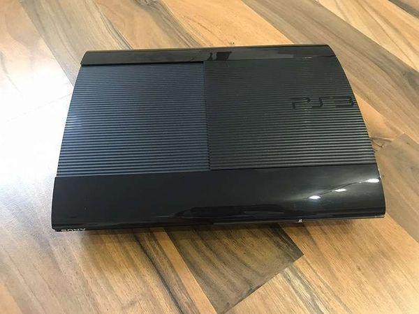 Playstation 3 - Kaiserslautern Innenstadt - Verkaufe PS 3 in gutem Zustand mit 2 Controller . Versand möglich - Kaiserslautern Innenstadt