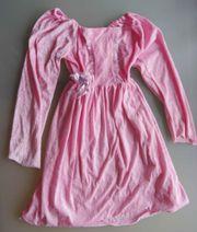 Rosa Kleid für