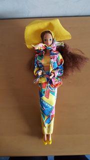 Schiff Barbie und