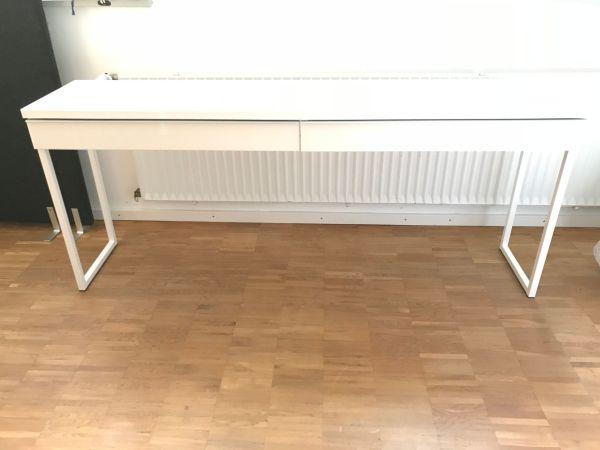 Schreibtisch weiß - schön, schlicht, elegant in Heidelberg ...