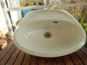Waschbecken in Weiß