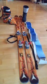 Komplette Skitourenausrüstung mit Schuhen