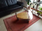 Schöner moderner Couch Glastisch Erle