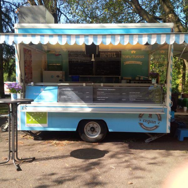verkaufswagen mit k hlung imbisswagen food truck trailer in berlin anh nger auflieger. Black Bedroom Furniture Sets. Home Design Ideas