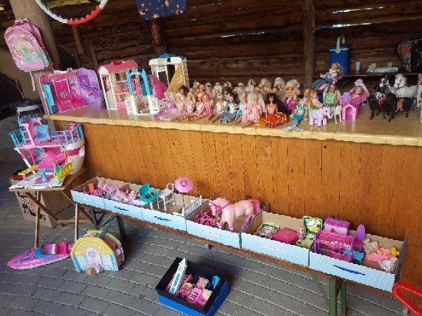 Barbie, Schiff, Pferdestall, Schlafzimmer in Penzlin - Sonstiges ...