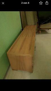 Tv-Board aus hochwertigem Holz