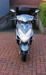 Motorroller 125 mit