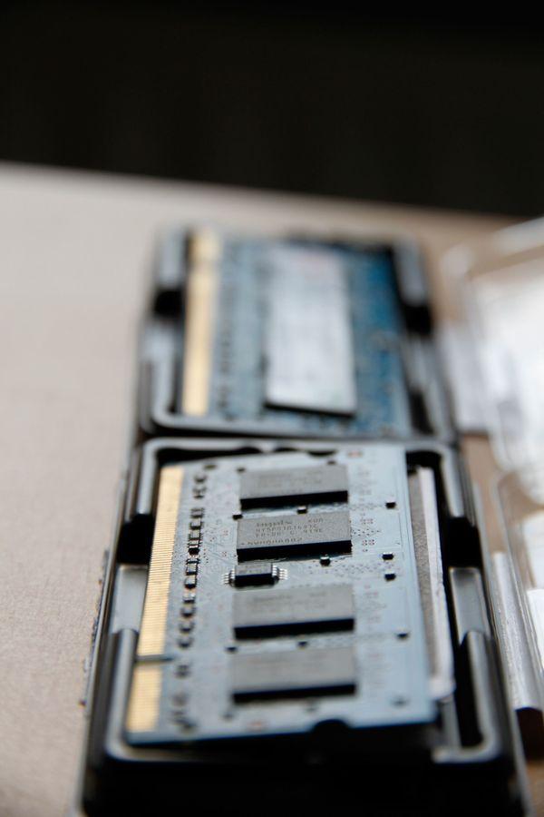 Original 2x 1GB » Mainboards, CPUs, Speicher