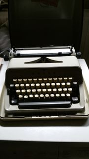 Olymp Schreibmaschine elektronisch