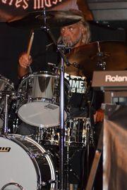 Schlagzeuger Ü60 sucht