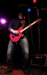 Gitarrist sucht kreative Band Mitstreiter