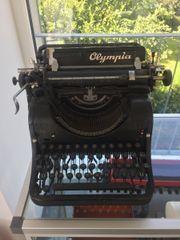 Schreibmaschine Olympia