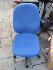 Büro- Drehstuhl günstig zu verkaufen
