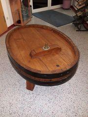 Tisch aus einem Fassdeckel